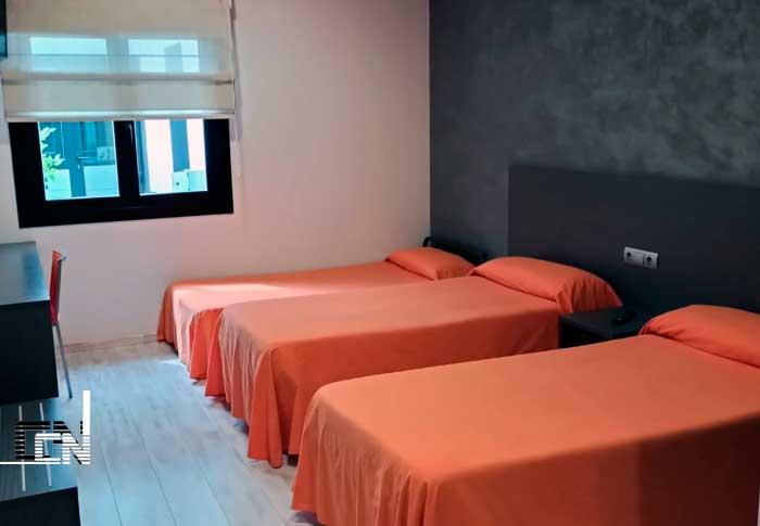 habitacion ,hotel en Lleida, tres camas , buen precio, Lleida ,