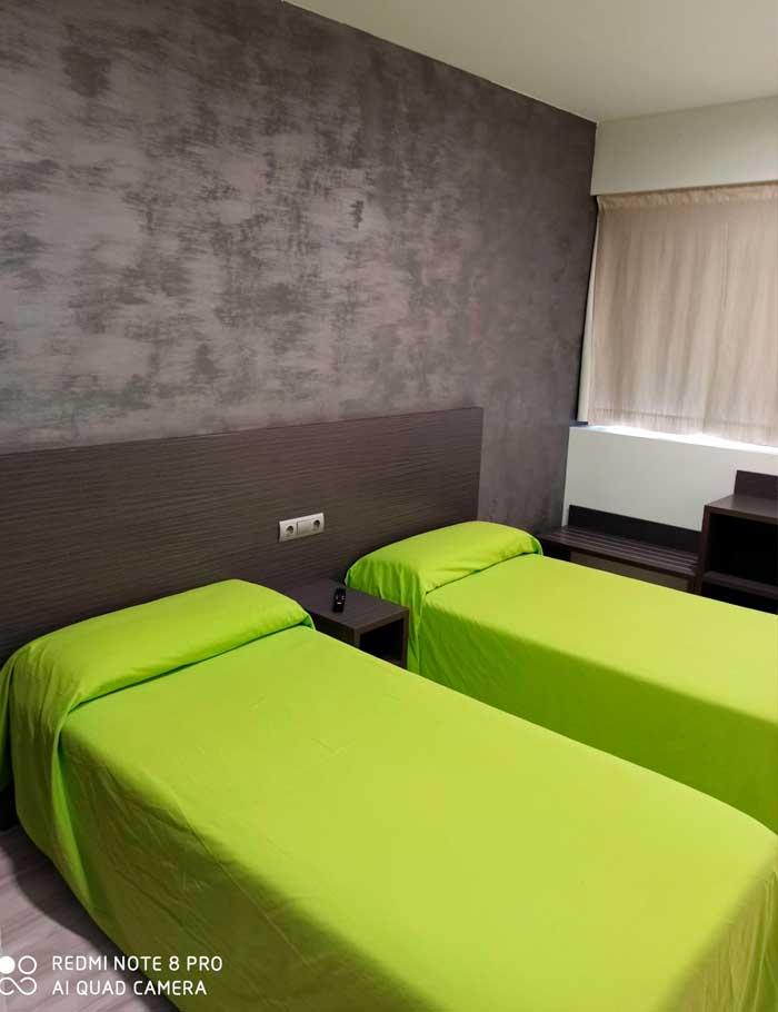 habitacion-,-doble-,-Lleida-,-hotel-,-barato-,-discreto-,-buen-precio-,-buena-calidad,