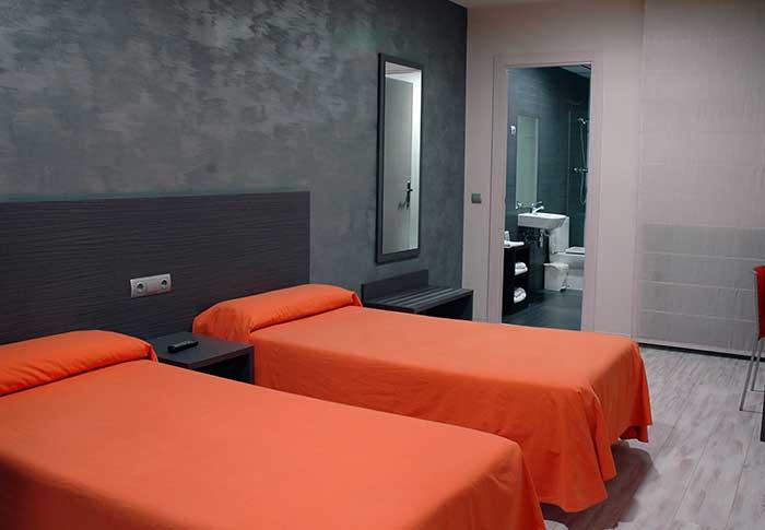 hotel lleida , cama doble , hotel barato , lleida ,