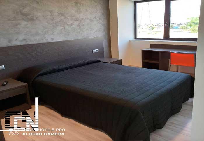 habitación de hotel barata en Lleida